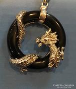 925 ezüst nyaklánc, Ónix medállal sárkány díszítéssel