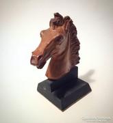 Ló portré szobor