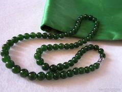 JADE zöld golyós ásvány  gyöngysor