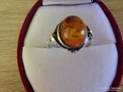 Régi ezüst gyűrű borostyán kővel