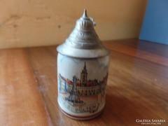 Kis sörös kupa ón tetővel
