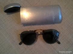 Retro napszemüveg üveg lencsével mintás kerettel fém tokjába
