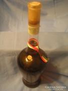 Borkülönlegesség viaszpecsétes,szőlőfürttel a belsejében 42.
