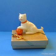 Drasche porcelán cica gombolyaggal