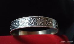 Masszív ezüst karperec