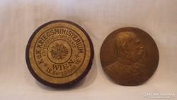 R. Neuberger Ferenc József bronz plakett dobozában K.U.K.