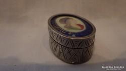 Antik kézzel festett portrés dobozka ékszertartó