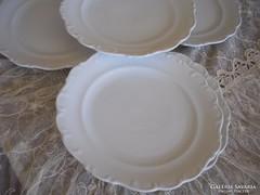 5db fehér sütis tányér