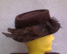 Barna régi tollas angora kalap