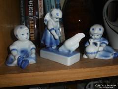 Kék pöttyös Zsolnay lányok