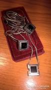 Magnoliás ezüst szett ónixxal /lánc+medál, fülbevalók, gyűrű