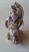 Altwien kis porcelán figura