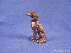Bronz figyelő kutya