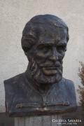 Ritka kuriózum Kossuth Lajos 60cm öntött kő szobor