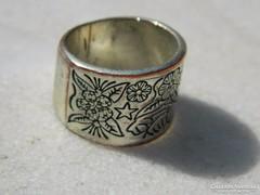 Antik ezüstözött bronz gyűrű virág gravírozással