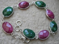 925 ezüst karkötő smaragd, rubin kövekkel 20-21 cm