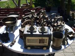 12 db antik vasaló , rádió stb. !