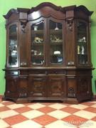 Vitrines barokk tálaló szekrény