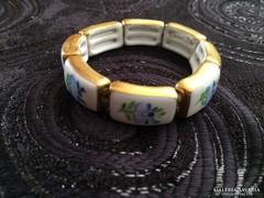 Herendi kézzel festett árvácskás porcelán karkötő