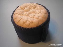 Porcelán díszítéssel,selyem ékszertartó U7