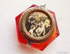 Gyönyörű antik jelenetes üvegmedál