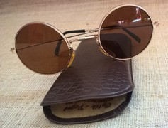 Retro John Lennon napszemüveg okuláré jelzettbőr tokjában
