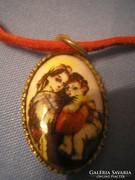 N2 Barokk kézifestésű porcelán medál ritkaság