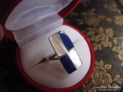 Posztmodern - csiszolt lápisz lazuli, gyöngyház ezüst gyűrű