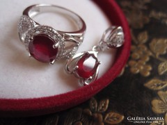 Mélyvörös rubin köves ezüst gyűrű és medál luxus ékszerszett