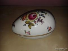 Herendi tojás alakú bonbonier, virágmintával.