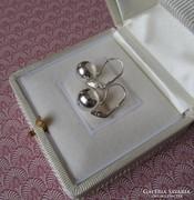 Klasszikus gömb ezüst fülbevaló - patent zárral