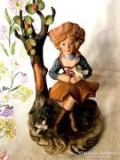 Régi porcelán szobor