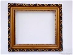 Aranyozott antik fa képkeret  ,  falc 24,5 x 20,5   cm.