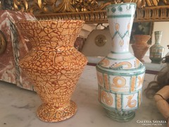Kettő darab Gorka Lívia váza