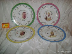 Négy darab porcelán emlék tányér pápákról