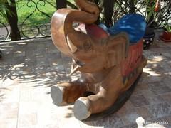 Kézműves fa faragott elefánt