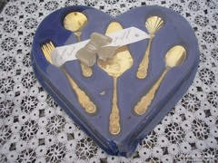 Arany színű sütis villa + kanál