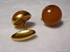 Jelzett, aranyozott borostyánköves mandzsettagomb, kézelő