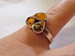 Ezüst gyűrű 3 színű borostyán kővel