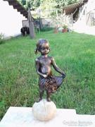 Szent Erzsébet bronz szobra