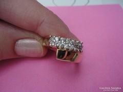 Súlyos, szép sárgaarany gyűrű cirkonokkal