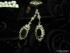 Onyxköves markazitos ezüst fülbevaló és gyűrű