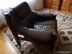 Masszív bőr fotel - szólóban