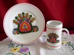 Hollóházi páva mintás porcelán tányér és korsó