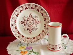Hollóházi szív mintás porcelán tányér és korsó