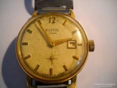 Aranyozott Wostok 17 jeweis óra eladó!