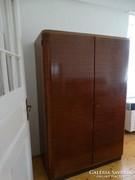 Retro szobabútor, ruhás és vitrines szekrények