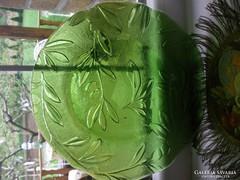 Zöld üveg kínáló