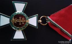 Magyar Érdemrend lovagkeresztje hadiszalagon