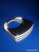 Art Deco gyűrű, a tervezés és kivitelezés egyedi és modern!